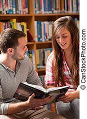 diákok, portré, könyv, felolvasás