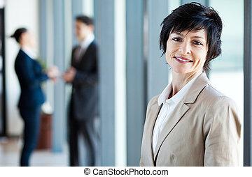 di mezza età, donna d'affari