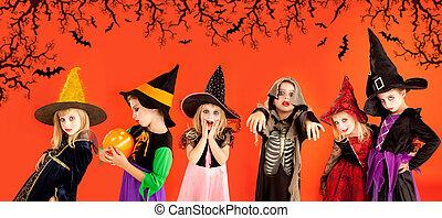 dia das bruxas, grupo crianças, meninas, trajes