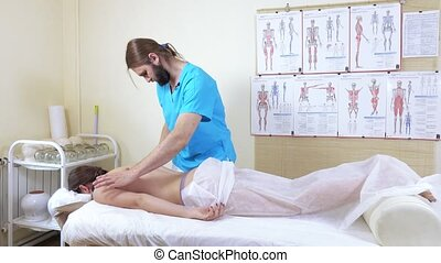 Diagnosis before a massage