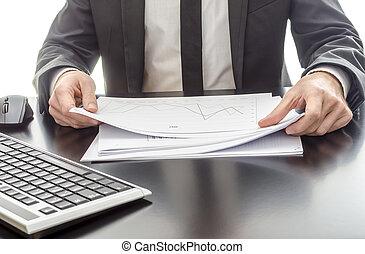 diagrama, homem negócios, analisando