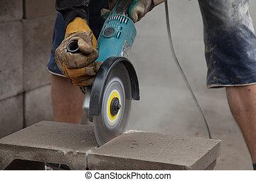 Diamond disc - Diamond tool cutting concrete block