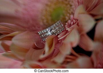 Diamond Ring in pink Flowers
