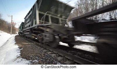 dichtbegroeid boven, aanzicht, van, een, voorbijgaand, lading trein
