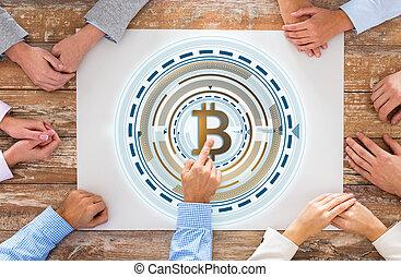 dichtbegroeid boven, van, handel team, handen, met, bitcoin