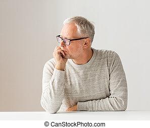 dichtbegroeid boven, van, hogere mens, in, bril, denken