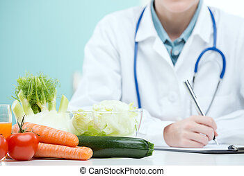 Diet plan - Nutritionist Doctor is writing a diet plan