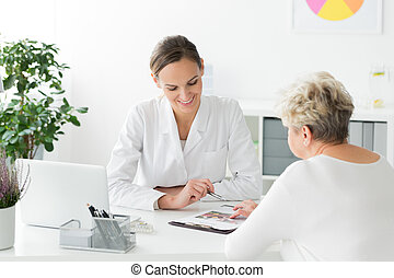 Dietician and patient during meeting