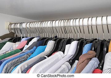 diferente, enforcar, escolha, cores, cabides, roupas
