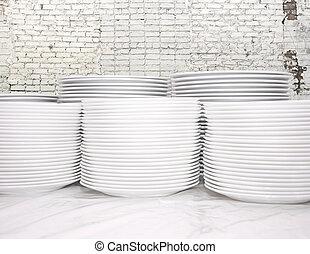 diferente, pratos, junto, muitos, empilhado, branca