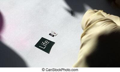 différent, coupure, lettres, lettre, compilation, glues, threats., caoutchouc, attaquant, papier, editions., crime., gants, morceau, mots