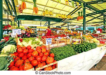 Rialto Italian market in Venice
