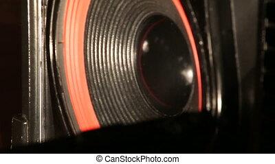 Diffuser powerful dynamics, Powerful sound speaker,