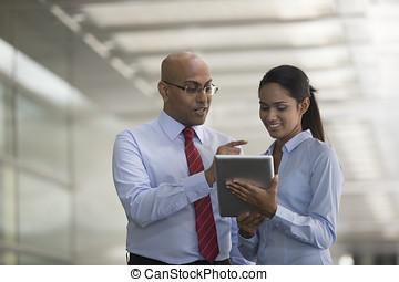 digital, indianas, tabuleta, pessoas negócio