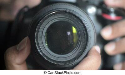 Digital SLR camera Lens Focusing