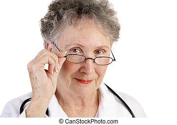 digne confiance, mûrir, docteur féminin