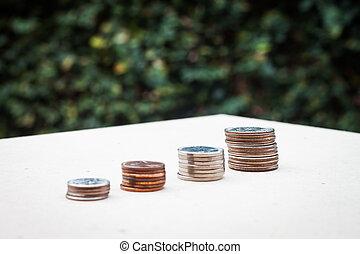 dinero, moneda, crecer, gráfico, con, fondo verde