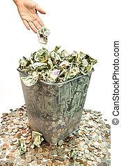 dinero que lanza ausente