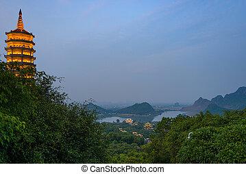 dinh, bai, viaje, ninh, complejo, escénico, crepúsculo, binh, religioso, destination., paisaje., vietnam, karst, más grande, pagoda, turista, templo, budista