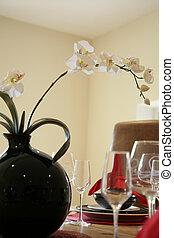 Dinign table