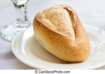 Crispy restaurant dinner roll