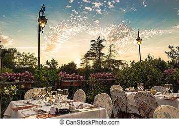 Dinner table in Italian restaurant - Dinner tables in...