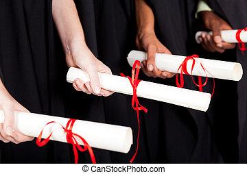 diploma, segurando, diplomados