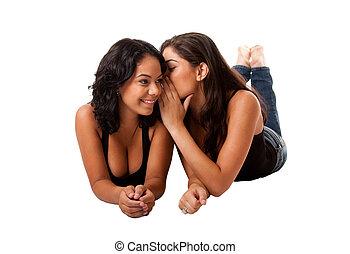 dire secret, commérage, filles