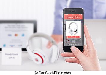 direct, vooraanzicht, van, een, smartphone, met, smart, betalen, app, op, de, sc