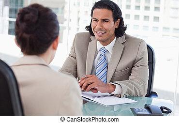 directeur, aanvrager, het interviewen, vrouwlijk