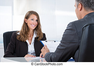 directeur, het interviewen, vrouwlijk, aanvrager