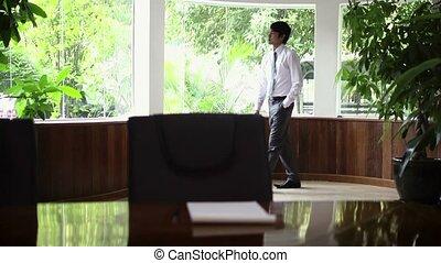 directeur, travail, asiatique, jeune, inquiété