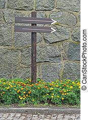 Direction arrow pole