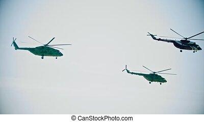 direction, ciel, plusieurs, une, voler, hélicoptères