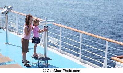 direction, pont, binoculaire, bateau, regarde, sous,...