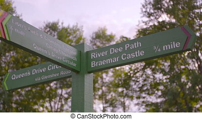 directions, ecosse, poteau indicateur, braemar