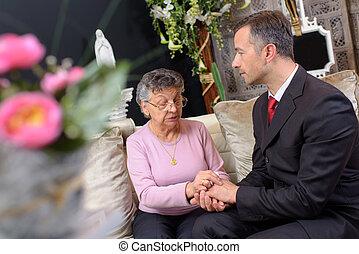 director, funeral, mujer, reconfortante