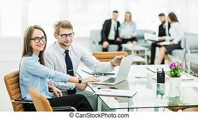 director, trabajando, contador, ventas, financ, computador ...