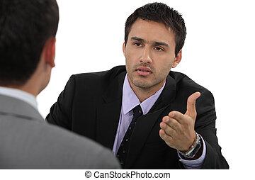 discussão, homens negócios, tendo