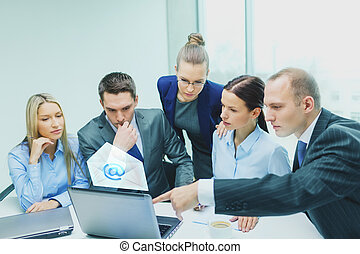 discussie, draagbare computer, hebben, handel team