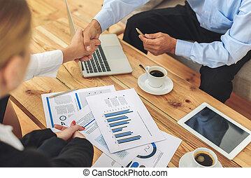 discussion groupe, collègues, pendant, réunion, avoir