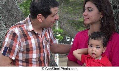 discuter, bébé, couple