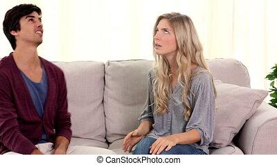 discuter, couple, divan