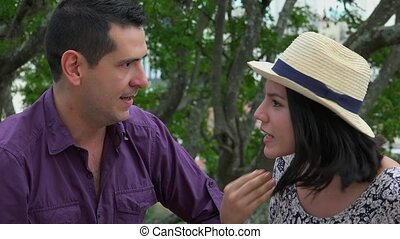 discuter, couple, mariés, jeune