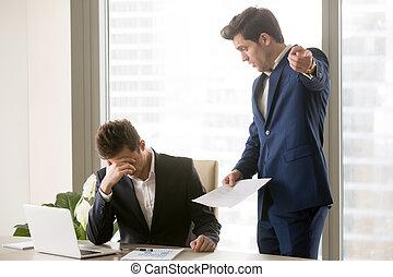 discuter, employé, mécontent, ennuyé, patron