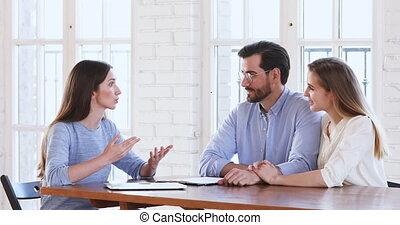 discuter, famille, clients, contrat, époux, détails, lawyer...