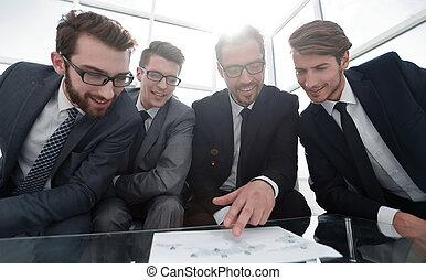 discutir, documentos, financeiro, equipe negócio