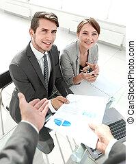 discutir, equipe, financeiro, negócio, dados