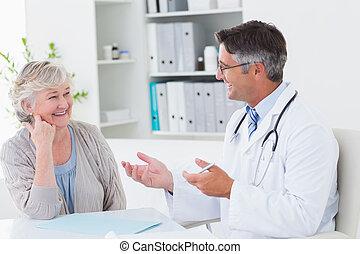 discutir, sênior, paciente, tabela, doutor