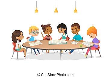 diskutieren, buecher, sprechende , jedes, schule, vektor, advertisement., runder , kinder, ungefähr, abbildung, tisch, sitzen, andere, karikatur, library., mädels, banner, sie., plakat, studieren, knaben, lesende